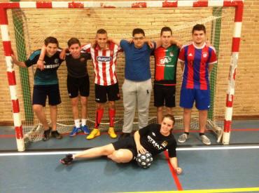 Leerlingen-voetbalteam2015